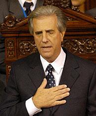 Tabaré Vázquez en el momento de su investidura. (Foto: AP).