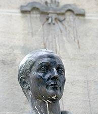 La estatua de Primo de Rivera. (EL MUNDO)