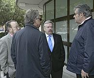 José María Íñigo junto a otros compañeros y amigos de Luqui. (Foto: Antonio Heredia)