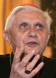Joseph Ratzinger es de los pocos cardenales que ya ha participado en otro cónclave. (Foto: REUTERS)
