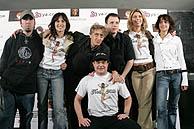 Bofill posa con los protagonistas de 'Hot milk'. (Foto:EFE)