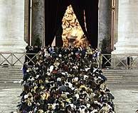 La entrada a la basílica de San Pedro. (Foto: AP)