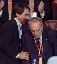 Aznar y Fraga, durante el Congreso Nacional del PP de 2004. (Foto: B.Rivas)