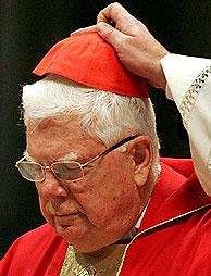 Bernard Law ofició la cuarta misa de las Novendiali. (Foto: EFE)