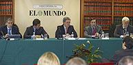 De izda. a dcha., Antonio Fernández-Galiano, Giorgio Valerio, Alfonso de Salas, Pedro J. Ramírez y Paolo Carrer, durante la Junta. (Foto: EL MUNDO)