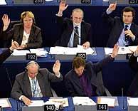 Los eurodiputados, durante la votación del 13 de abril. (Foto: Reuters)