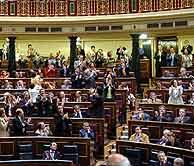 Los diputados socialistas aplaudieron las reformas. (Foto: EFE)