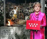 Aguirre, durante el homenaje a los héroes del Dos de Mayo. (Foto: EFE)