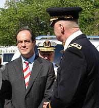 José Bono fue recibido por generales estadounidenses. (Foto: EFE)