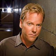 Kiefer Sutherland, caracterizado como Jack Bauer.
