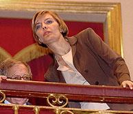 Sonsoles Espinosa, esposa del Presidente, en la tribuna de invitados del Congreso. (Foto: EFE)