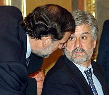Mariano Rajoy consulta al presidente del Congreso. (Foto: EFE)