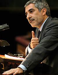 Llamazares, durante su intervención. (Foto: EFE)