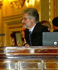 Marín metido en su 'papel' en el Congreso. (Foto: C. Barajas)