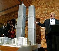 Donald Trump muestra su proyecto en Nueva York. (Foto: Reuters)