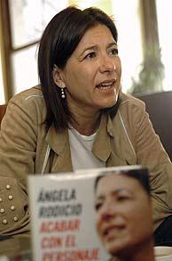 Ángela Rodicio, en la presentación de su libro. (Foto: EFE)