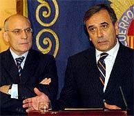 El ministro José Antonio Alonso, en la rueda de prensa. (Foto: EFE)