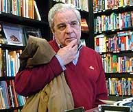 El PP denuncia que escritores como Marsé no podrán acudir. (Foto: EFE)