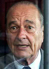 Jacques Chirac, durante el transcurso de la jornada del referéndum. (Foto: REUTERS)