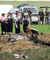 Restos del Mirage accidentado. (Foto: AP)