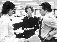 Bob Woodward y Carl Bernstein, en la redacción del 'Post'.