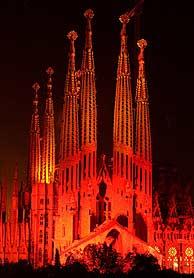 La Sagrada Familia en 2002, cuando se celebró el Año Gaudí. (Foto: EFE)