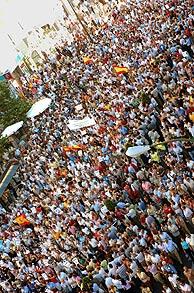 Las calles, repletas de gente. (Foto: EFE)