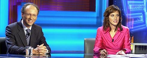 Gabriel Elorriaga y Mamen Mendizábal, presentadora de '59 segundos'.