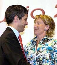 Adolfo Suárez Illana y Esperanza Aguirre. (Foto: EFE)