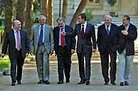 Almunia, Borrell, Solbes, Zapatero, Moratinos y Solana, en La Moncloa. (Foto: Carlos Barajas)
