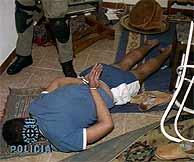 Uno de los detenidos en Madrid. (Foto: EFE)