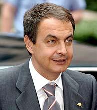 Rodríguez Zapatero, momentos antes del inicio de la cumbre. (Foto: EFE))