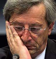 Juncker en rueda de prensa tras el final de la cumbre. (Foto: AP)