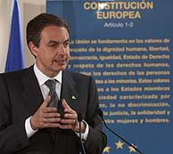 Zapataro habla con los periodistas al término de la Cumbre. (Foto: EFE)