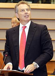Blair presenta sus prioridades para la Presidencia europea a los parlamentarios de la UE. (Foto: AP)