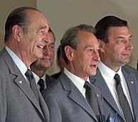 Chirac, Delanöe y Lamour, antes de la presentación de París. (Foto: Reuters)