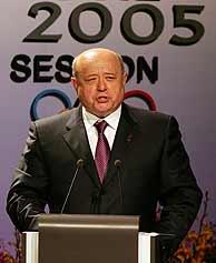 El alcalde de Moscú, durante su exposición. (Foto: REUTERS)