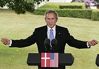 George W. Bush, en rueda de prensa, en Copenhague. (Foto: AP)
