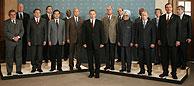 Los líderes reunidos arroparon a Blair en su segunda comparecencia del día. (Foto: Reuters)