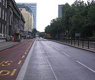 Tramo de Euston Road cortado. (Foto: Luis Estaire)