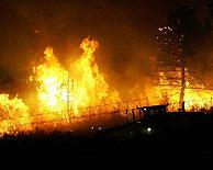 Las llamas en Santa María del Espino. (Foto: REUTERS)