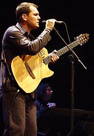 Ismael en plena actuación. (Foto: R. Cases)