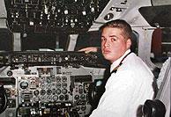 David Muñoz, copiloto de la nave. (Foto: Reuters)
