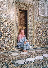 Ataviada con el hiyab, en Mulay Idriss.