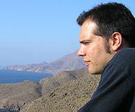 Jose, disfrutando de la belleza del paisaje.