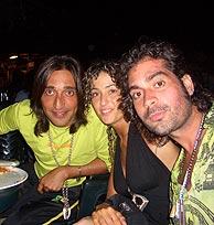 Antonio, en compañía de unos amigos.