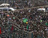 Alrededor de un millón de peregrinos se concentraba a las puertas de la mezquita. (Foto: REUTERS)