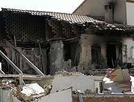 Estado en que quedó la vivienda de Baeza tras el impacto del avión. (Foto: EFE)