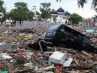 Una localidad de Banda Aceh (Indonesia) fuertemente dañada por el tsunami del sureste asiático. (Foto: REUTERS)