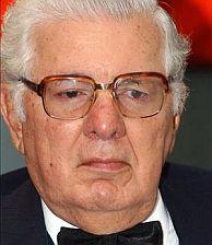 Julio César Turbay, en una imagen de 2003. (Foto: EFE)